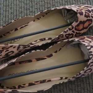 SOCIOLOGY- FLAT LEOPARD BALLET SHOES